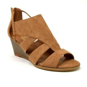 Mata Womens Wedge Suede Sandal Size 7.5